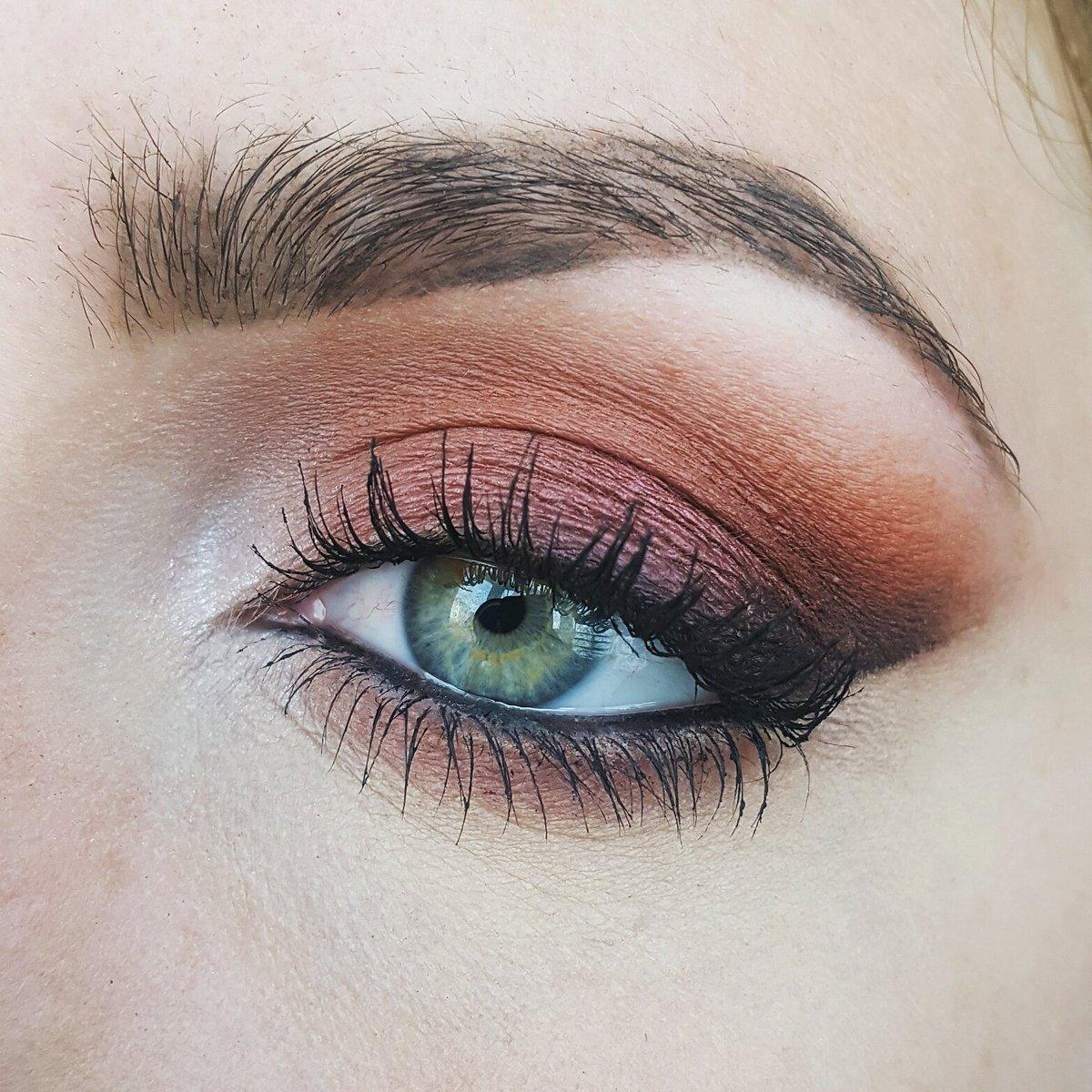 Corinna Fochler On Twitter Makeup Today Using Makeupgeek Shadows
