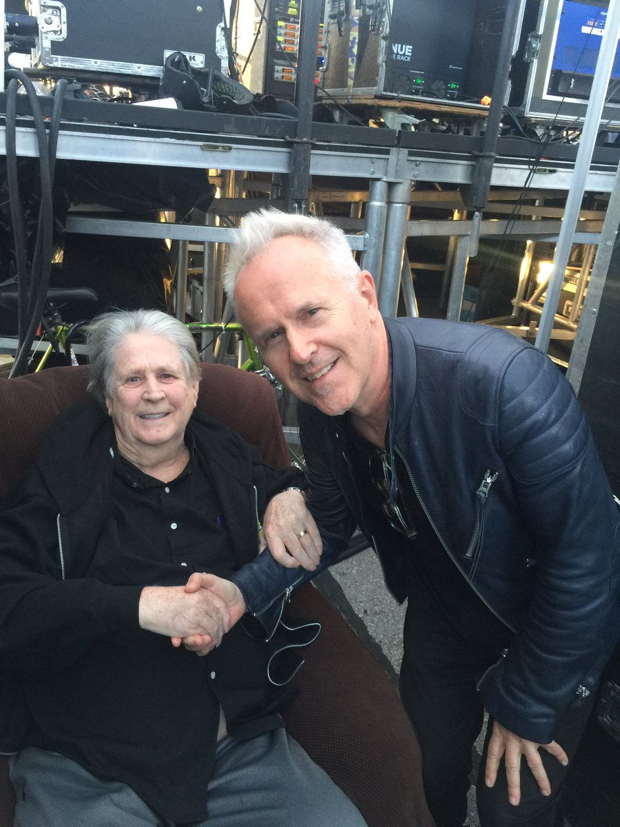 special moment! I got to meet an inspiring legend in Brooklyn last night @BrianWilsonLive still can't believe it! https://t.co/wnvHAVUp3I