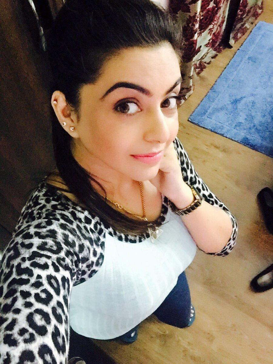 Nisha bano on twitter gud night friends for Nisha bano with husband