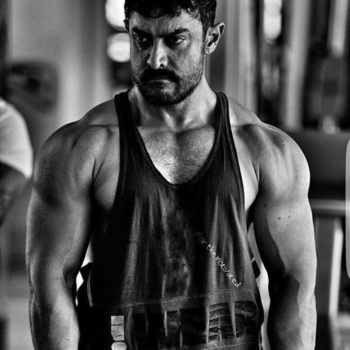 One of the most inspiring actors in the world....dedication to his role! Love u sir for inspiring us all@aamir_khan https://t.co/08R4FjTtza