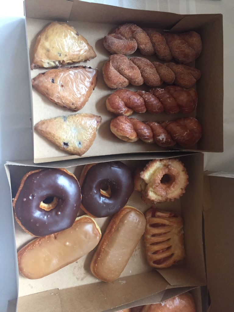 "Data & donuts @FLBSUM !  Here are the donuts. data are from USGS' C Muhlfeld talking ""trout in hot water"".  #flbs16 https://t.co/QhVwBFYYV3"