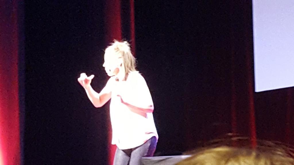 #TEDxVR avez-vous vous déjà entendu un mime bavard 😉? @TEDxVaugirard Anlo Piquet #communiquer https://t.co/SP98E6bCev