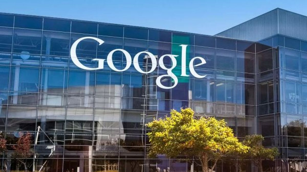 Google Apps gets an injection of artificial intelligence, with more to come https://t.co/QKCGmD3Si3 https://t.co/ehlOCIMv7B