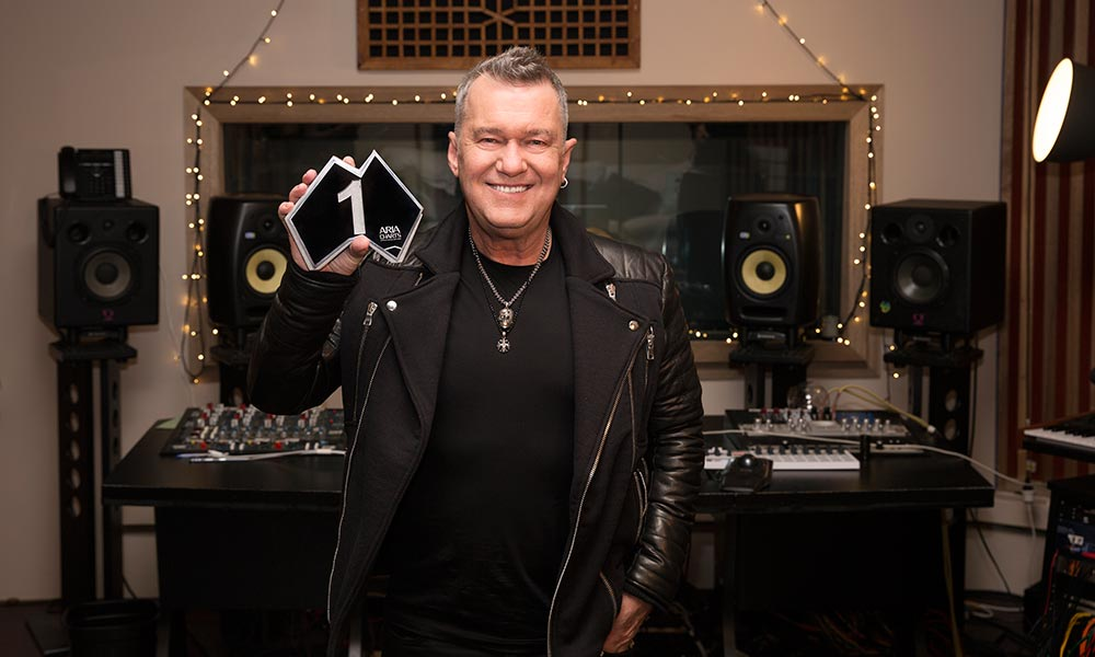 News: @JimmyBarnes snares record-matching 11th #ARIACharts #1 album: https://t.co/HJKssJzNmO https://t.co/uBWOPJ5V9F