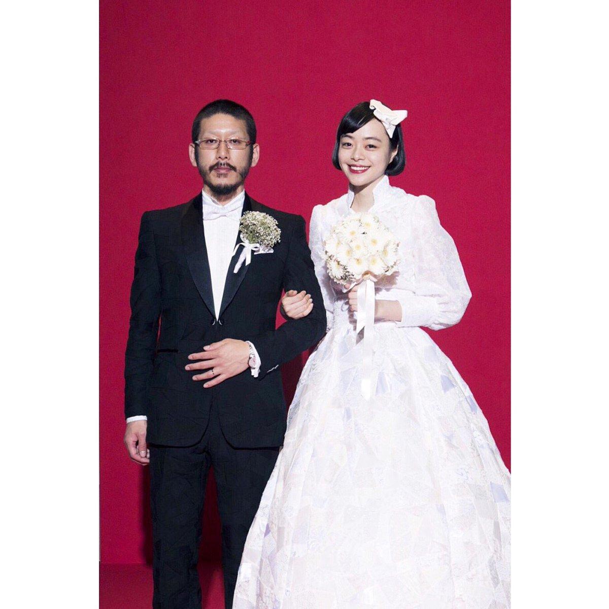 【 ご報告 】 わたくしKanocoは、 anrealageのデザイナーである 森永邦彦さんと結婚致しました。 お互いの大切なことを、 二人で守っていきます。 夫婦共々、今後とも よろしくお願い致します。 https://t.co/juLoVRqqwe