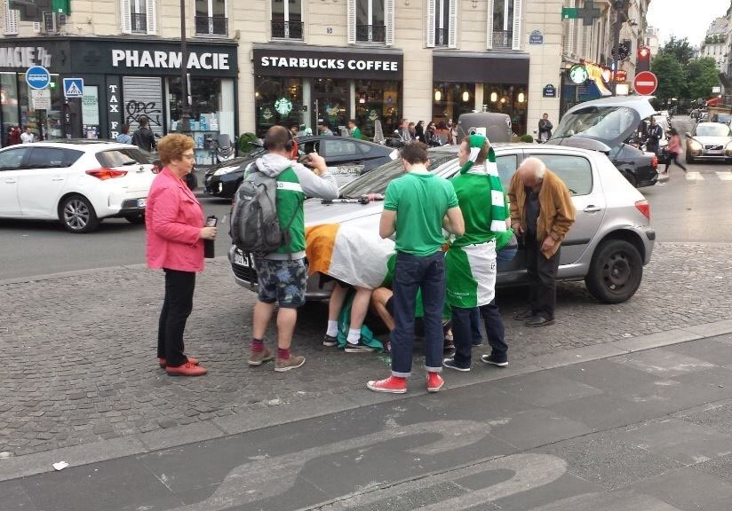 Irish fans out of control in France ... Changing a flat tyre for some local pensioners https://t.co/WHXzxVXYoo