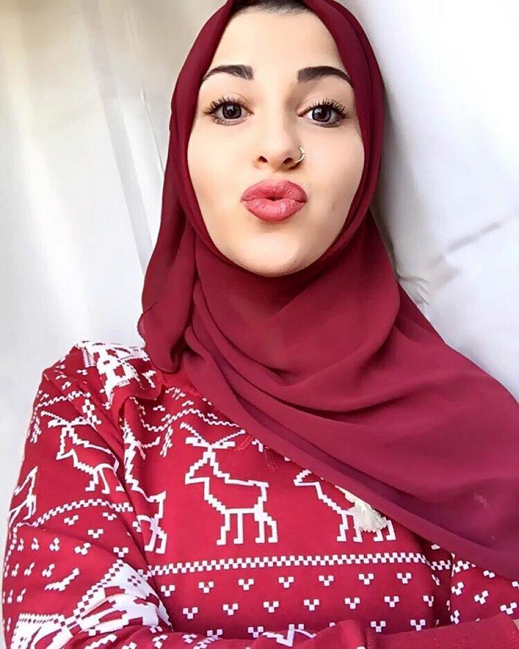 Petite arab girl