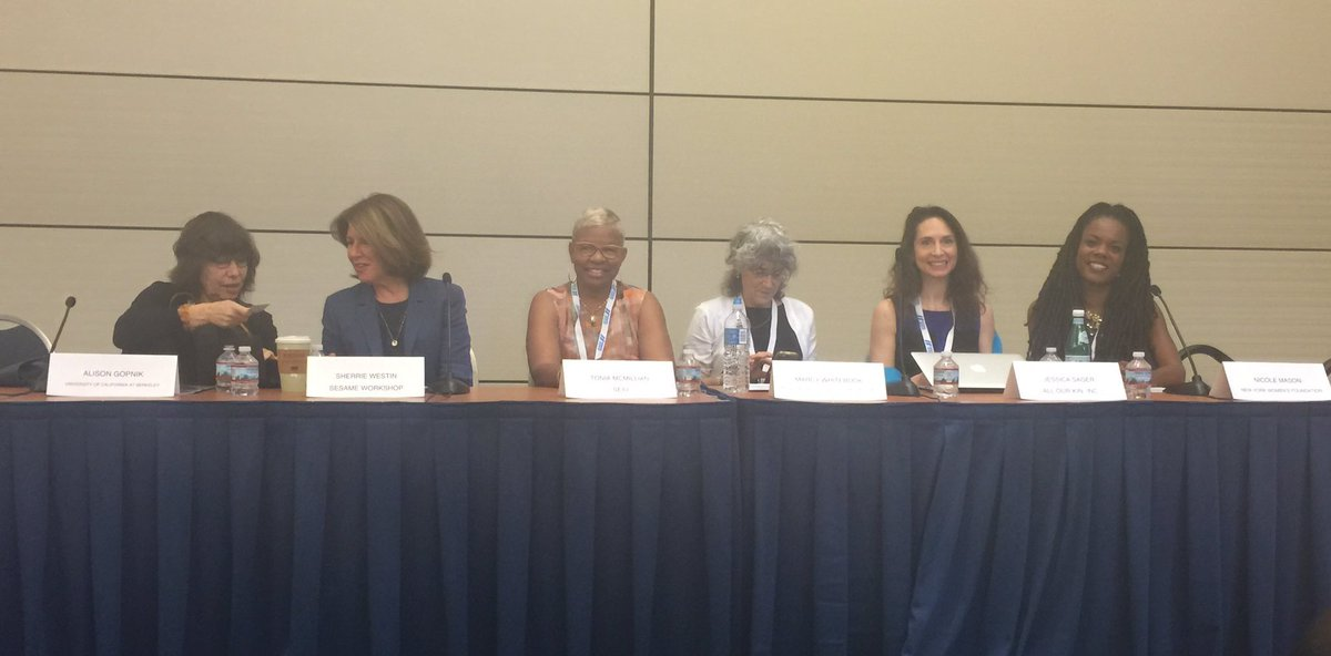 Awesome #ECE panel w/ @CR2PI @CSCCEUCB @JessicaSagerAOK @MCMILLIANT & others! #StateOfWomen #ChildCareForAll https://t.co/FaDnbQjVmr