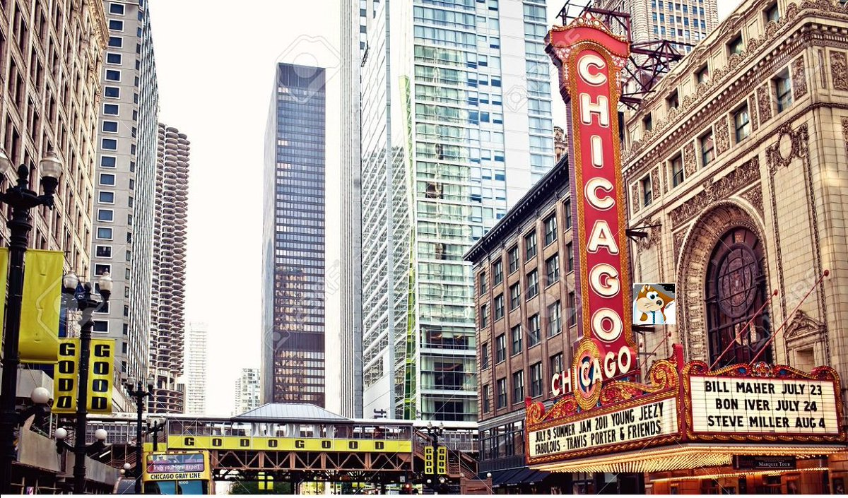 whoa...was that Sir Rudiger spotted climbing the famed Chicago theater ?   #empirekred #ff #wheresRudiger https://t.co/dMLlxA4f5M