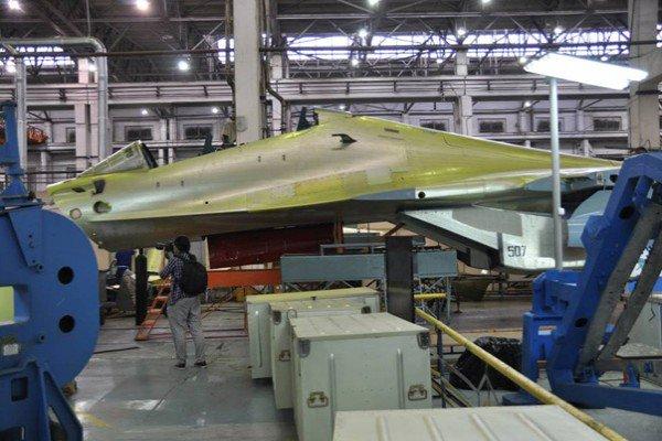 الجزائر توقع عقدا مع روسيا لشراء 14 مقاتله اضافيه نوع  Su-30 MKA  Ck6ip7tUoAAezNr