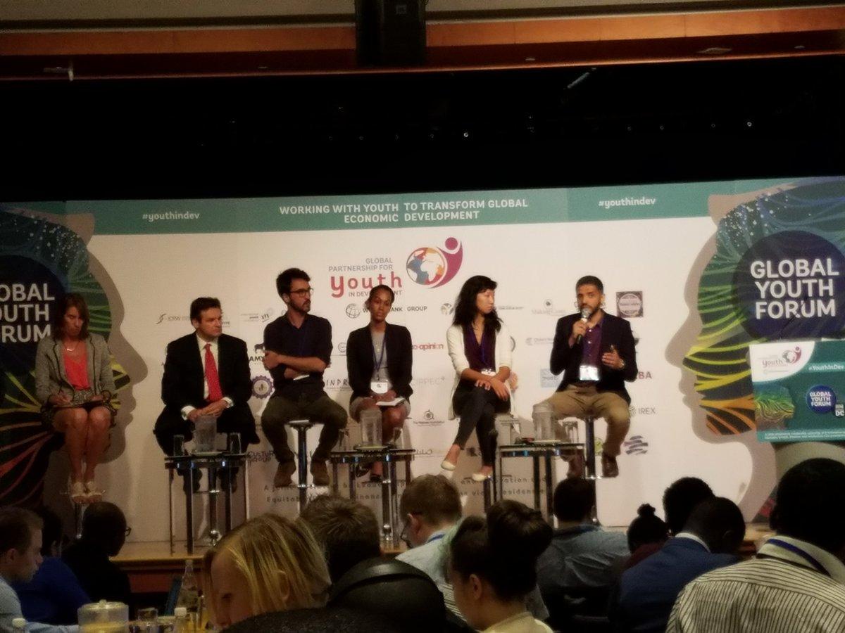 Nafham #crowdteaching platform educates 1/2 mil students, Mostafa Farahat @WorldBank Global Youth Forum #youthindev https://t.co/PX1mPbjMQ3