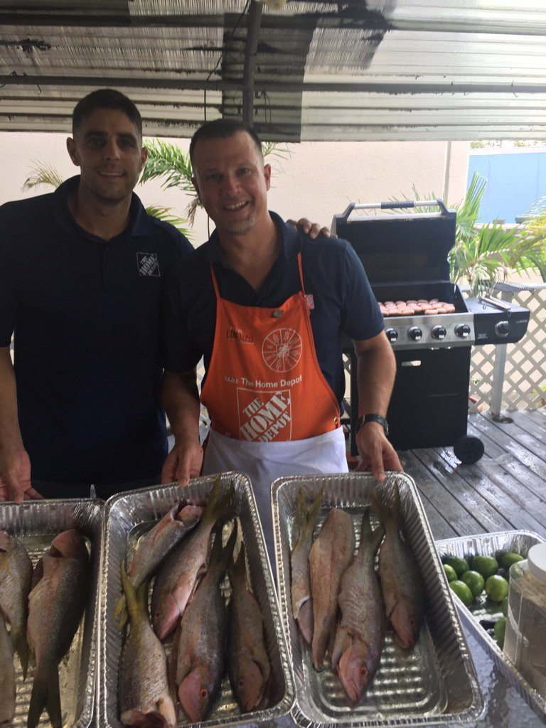 william schmidle on twitter lunch is on us lorenzo taking lorenzo taking care of his associates some fresh fish and sausage nice work team 277 t co r9qa1mgznq