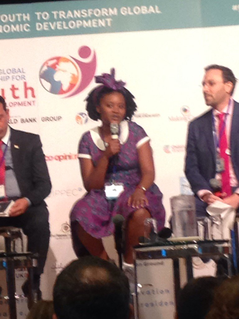 Brilliant, engaging @SiyandaWrites captivates #youthindev forum with her vision for  social pan-africanism https://t.co/kIF3vlJlKh