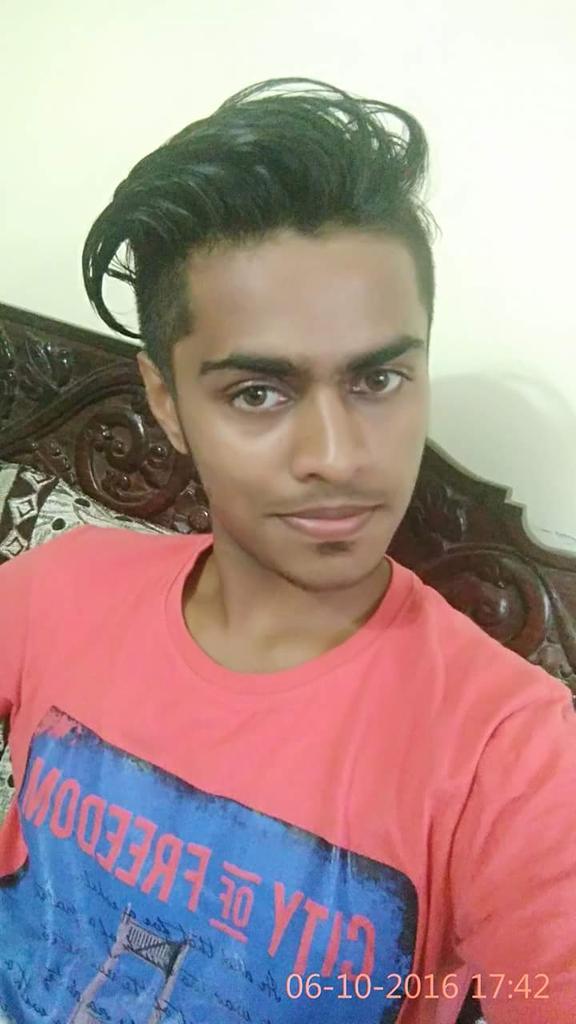 Siraj Siru V K Source · Anireeth on Twitter KicchaSudeep Brother See my buddy Karthik