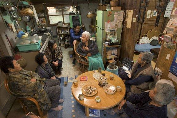 cụ bà trăm tuổi ở okinawa
