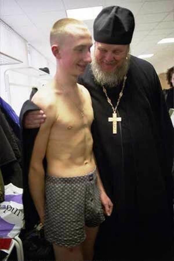 фото двух пяных геев братьев
