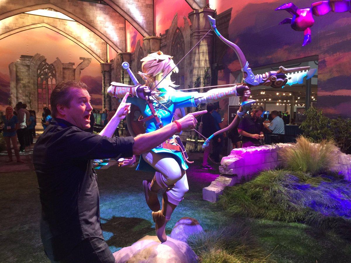 Shoooooot heeeeeer! #E32016 #ZeldaBreathoftheWild https://t.co/RbRW1iQt4t