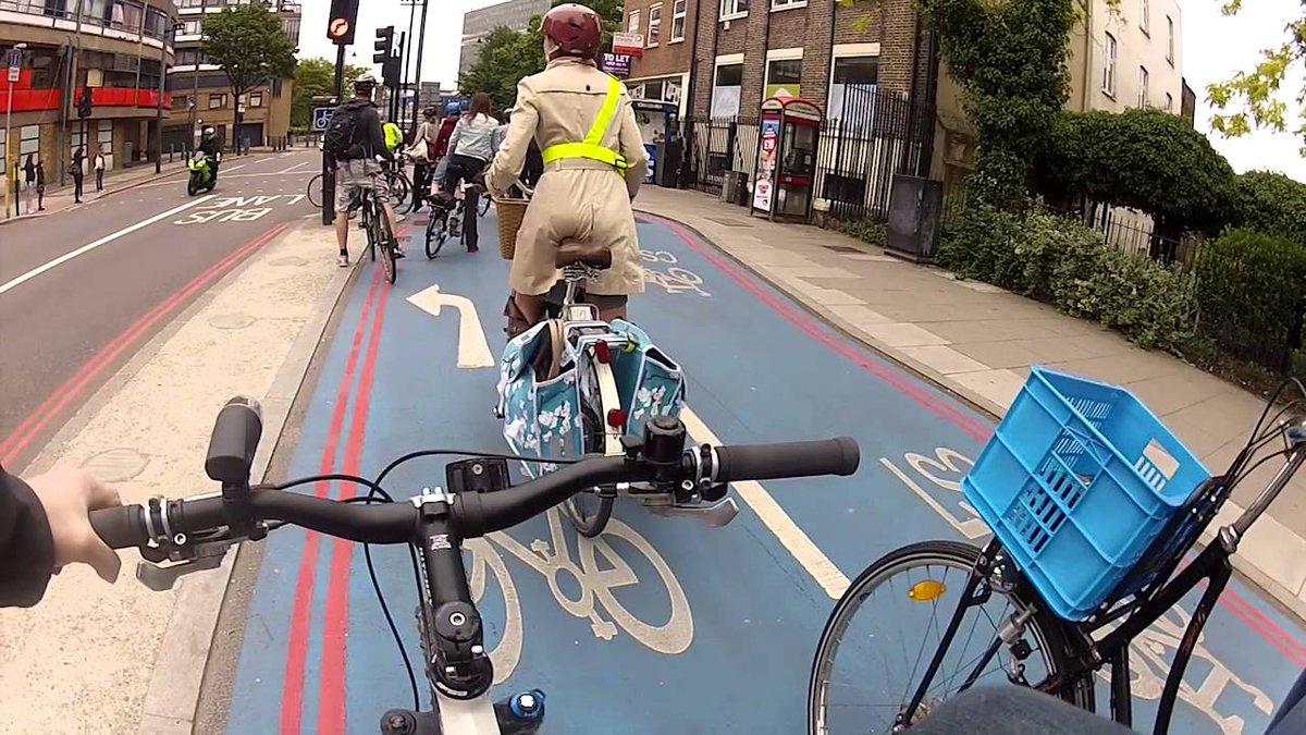 Londres: Paso 1 construye infraestructura ciclista de calidad. Paso 2 se dispara 60% su uso https://t.co/o4QN9klbJt https://t.co/dtY7VNp7YW