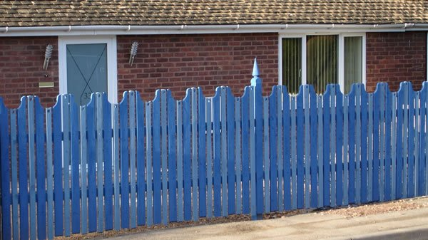 Paling Fence Designs Unique picket fences picketfenceuk twitter 0 replies 14 retweets 3 likes workwithnaturefo