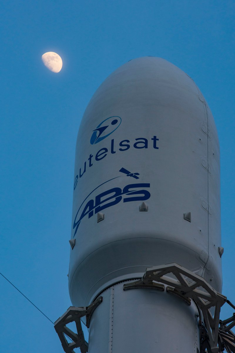 [SpaceX]Lancement Falcon-9 / Eutelsat 117 West B / ABS-2A - 15/06/2016 Ck9ORiVUgAAukhx