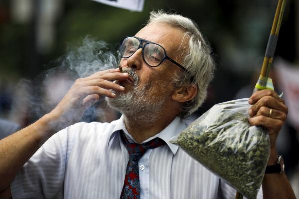 Canada's Trudeau to legalise marijuana