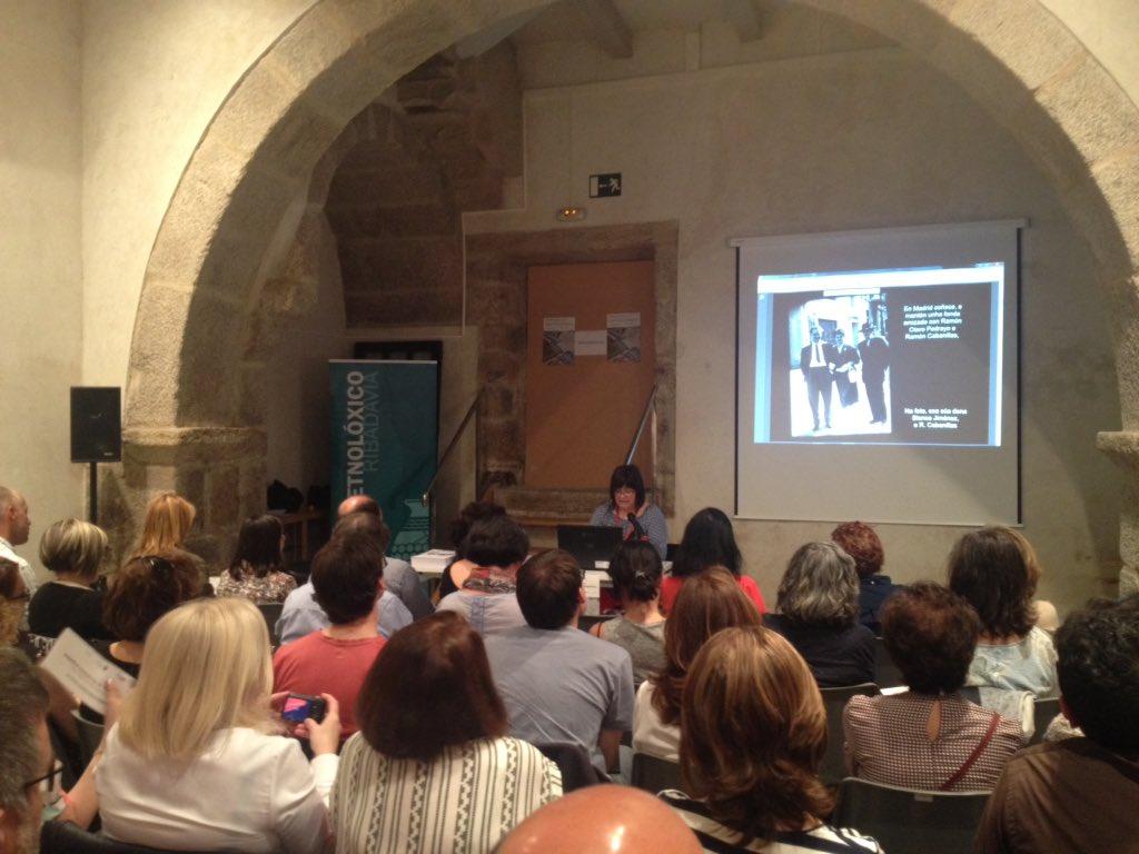 Xoias bibliográficas da Fundación Penzol de Vigo presentadas por Pilar Vilaboi #IIIXorBiblioEspe @museoetnoloxico https://t.co/gZvf1Fdcce