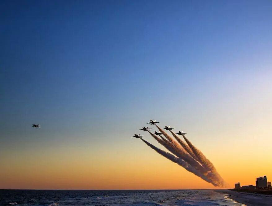 Our thoughts and prayers are with the @BlueAngels, their families and friends. https://t.co/2Bt0Sez3RD