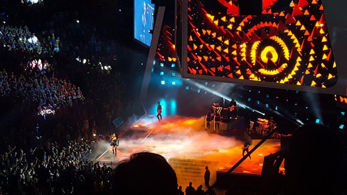 Katy Perry - Página 4 CkCmbu2UYAAJwrS