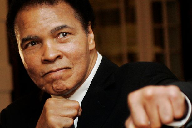 Muhammad Ali on life support as family is warned 'the end is near' https://t.co/oucHEtoq6V