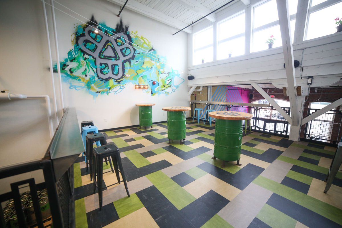 A little sneak peak into the @BissellBrosBrew new space on @ThompsonsPoint. #MaineBeer #BissellBrothers https://t.co/Cto03MXTbb
