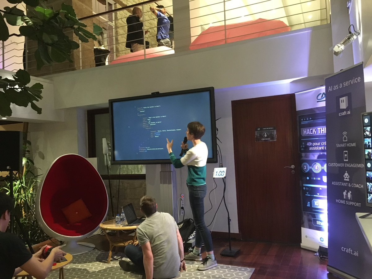 Nos buddy de @RecastAI font leur workshop ! #HackTheOffice https://t.co/ElZA8LQSZD