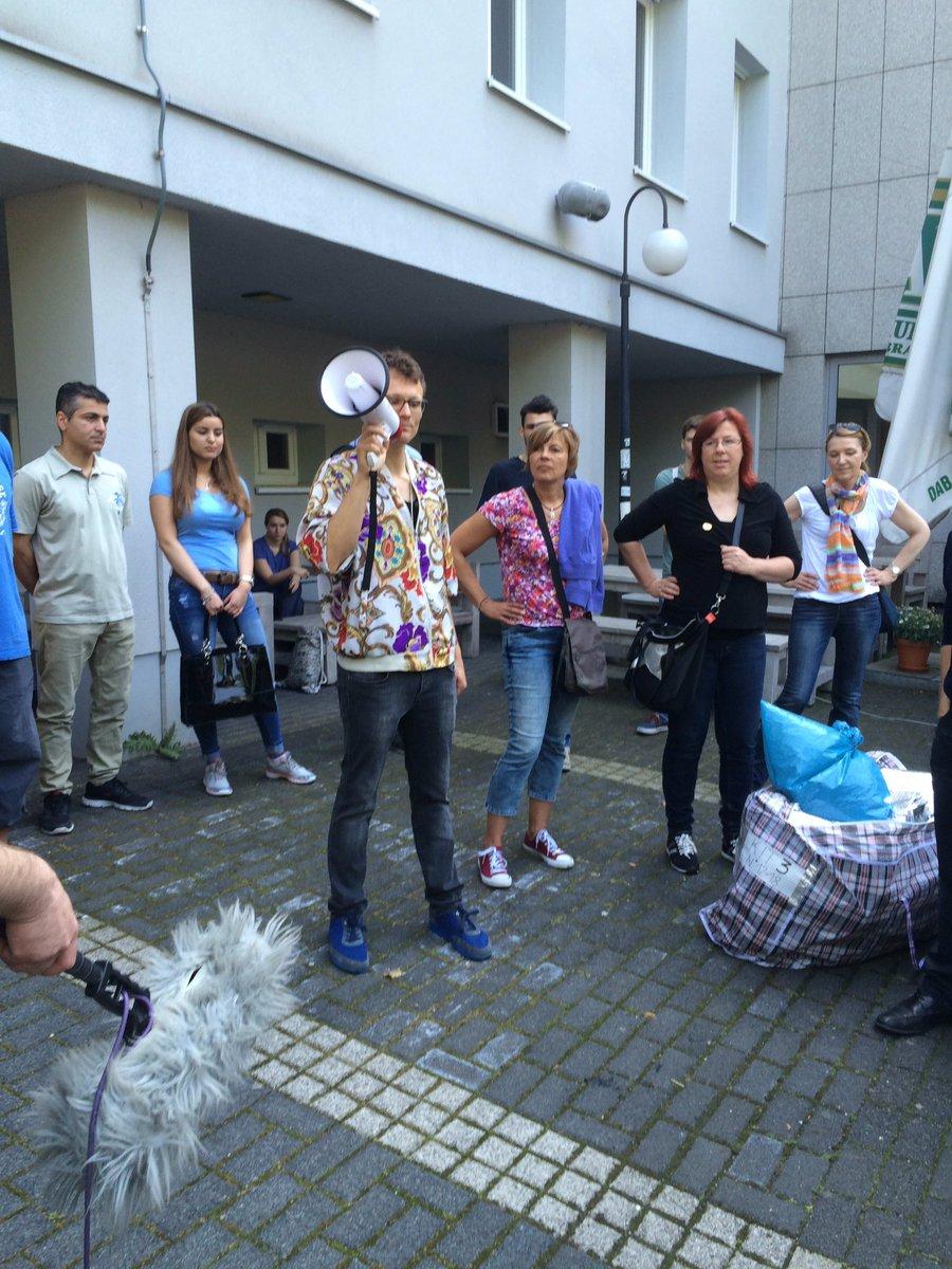 """Artur von TOOLS FOR ACTION: """"108 Würfel werden heute in Dortmund unterwegs sein!"""" #notddz https://t.co/vC6HNIpT2S"""
