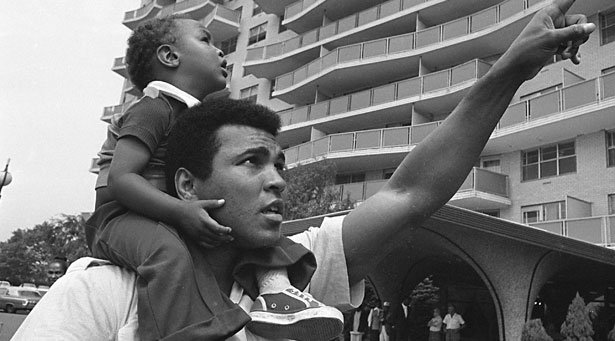 When champions win, they ride on the people's shoulders.When @MuhammadAli won, WE rode on HIS shoulders. #HERO #RIP https://t.co/isKnAgewYK