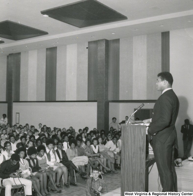And one more of the champ speaking at the Lair Ball Room in 1969 @wvuLibraries @WVUSports  #MuhammadAli https://t.co/8PtIcNcCVA