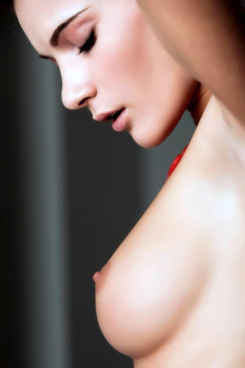 Аккуратная грудь фото