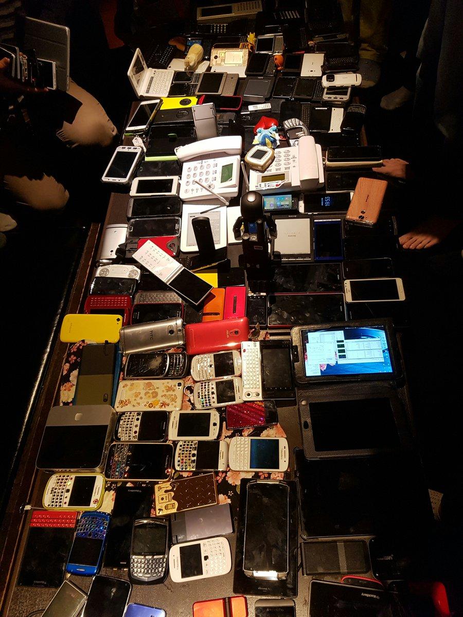 押収されたスマートフォン #変態端末オフ https://t.co/UDTUVgZqJJ