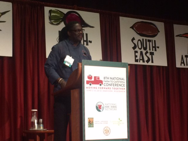 """When you have knowledge, you have a responsibility to give it to other people."" -Matthew Raiford #Farm2Caf16 https://t.co/vn4dF0vb7U"
