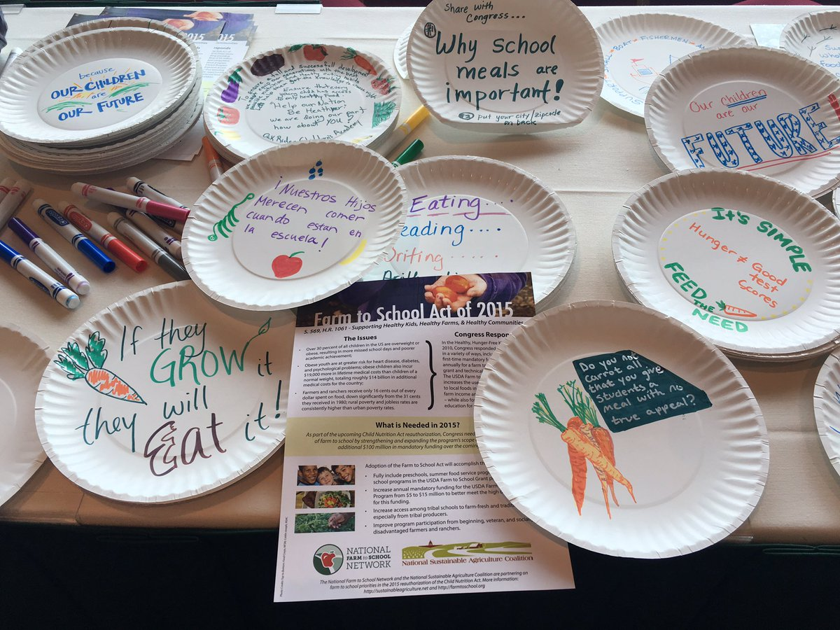 #Farm2Caf16 taking paper plates to Congress next week. Don't roll back food access to our kids! https://t.co/NJyJnekBYP