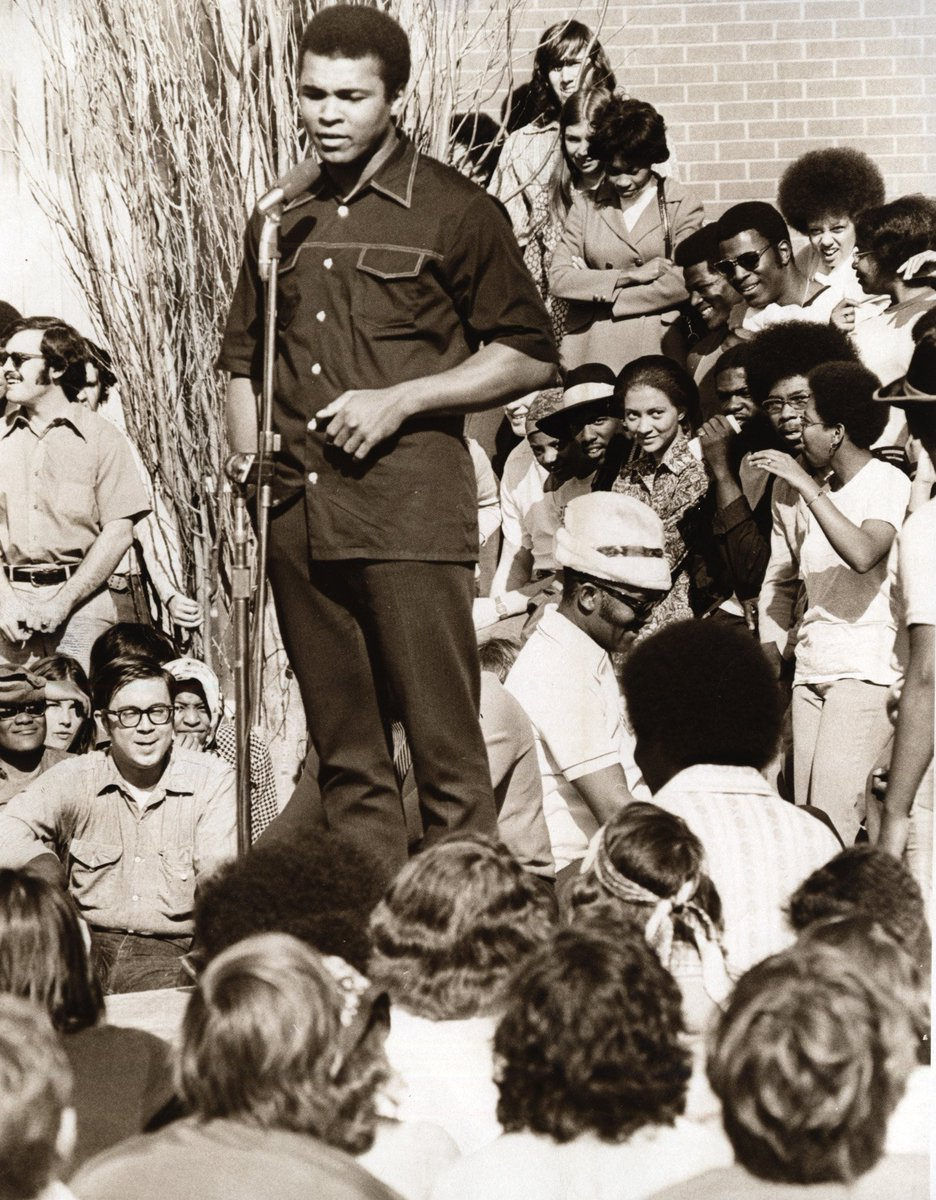 Here's Muhammad Ali speaking at OU in the '60s. Anyone know anyone in this photo? Email btramel@oklahoman.com https://t.co/JBwiGmGoGT