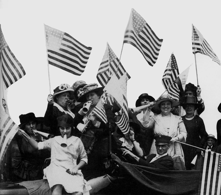 On this day in 1919, Congress passed the 19th Amendment granting women the right to vote! #feminism #votesforwomen https://t.co/vm58FYd3zO