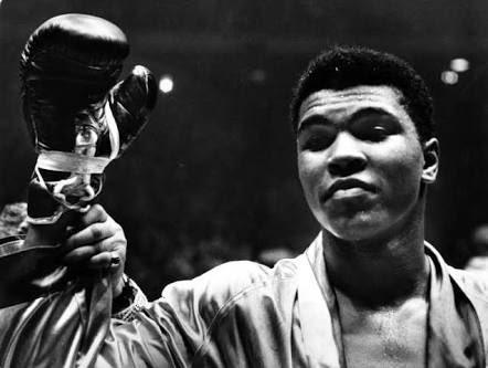 Muhammad Ali, uma das maiores lendas do esporte mundial nos deixa e também deixa seu legado!!