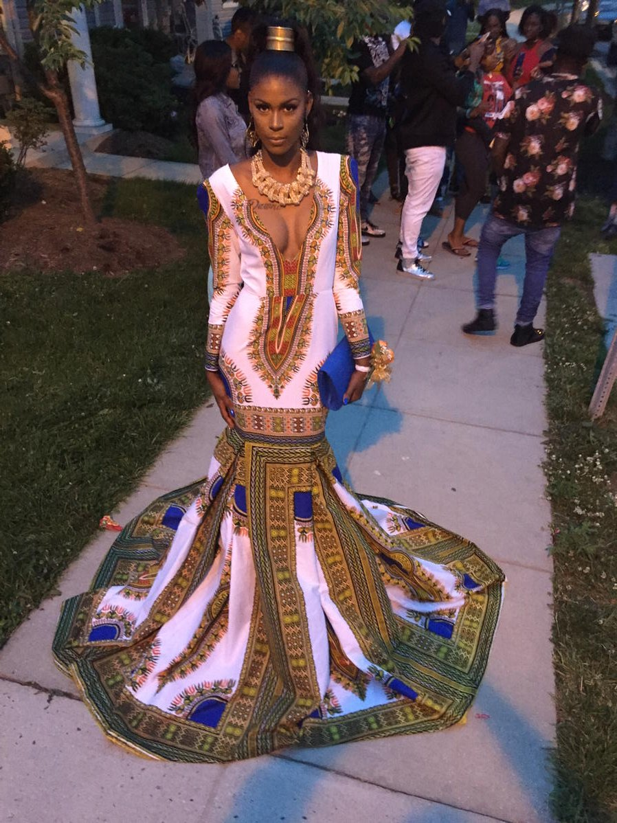 Tyra Banks of Models Inc. Prom Fever! #Prom2k16 #Prom2016 #BallouHS #BHS #BHSProm #ModelsInc #Model https://t.co/7DyBAP0UTr