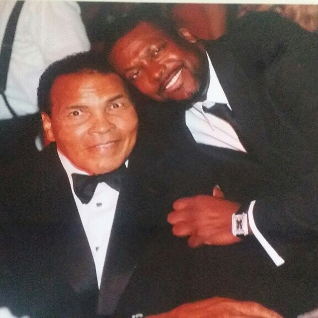 It's such and honor to have met the Greatest of All Time... Muhammad Ali!! You will Truly Be Missed By Many!! https://t.co/vsziC4n2jQ