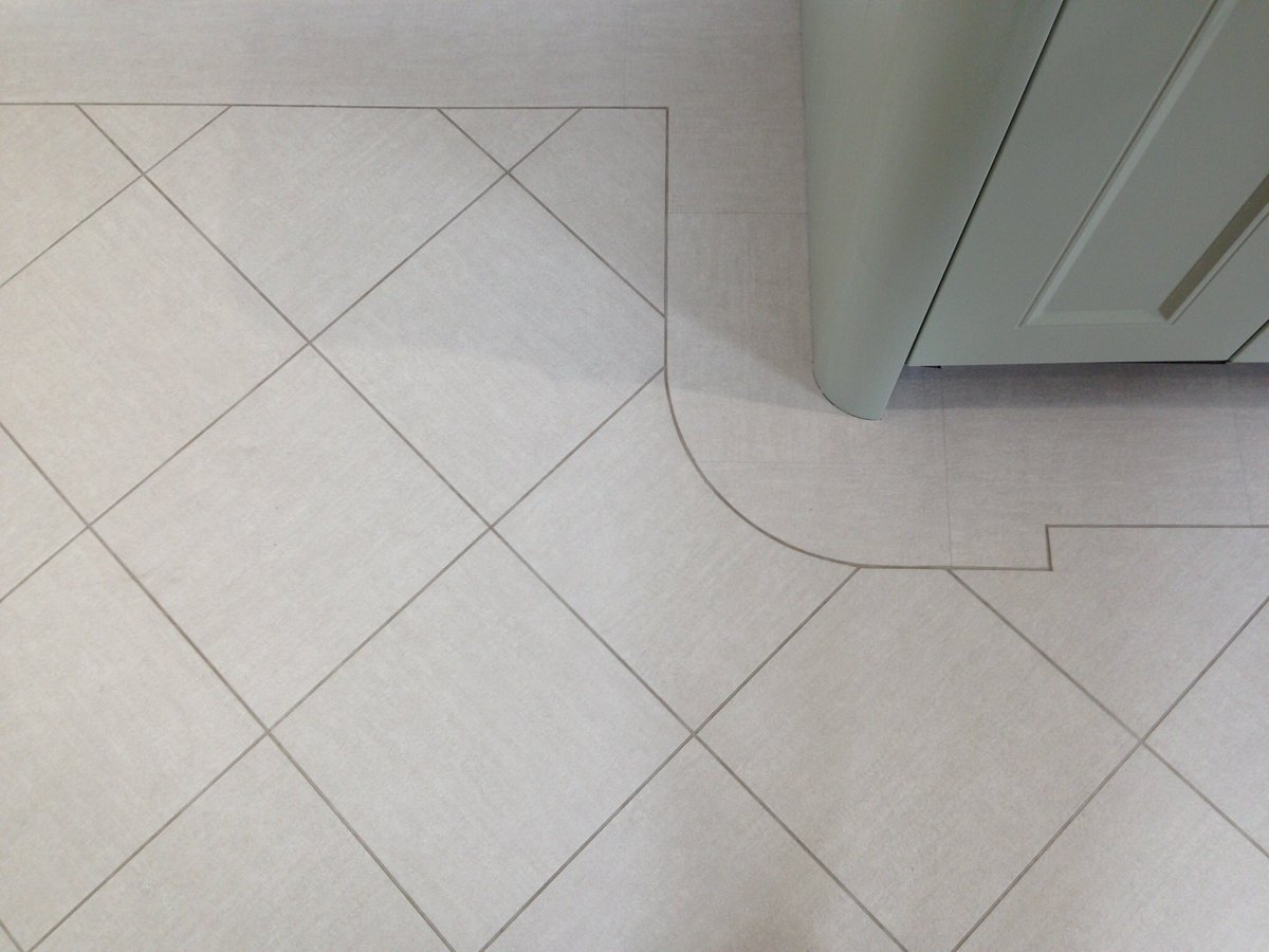 Michael stanley on twitter amtico tile with curved border michael stanley on twitter amtico tile with curved border designfloor flooring lvt karndean dailygadgetfo Images
