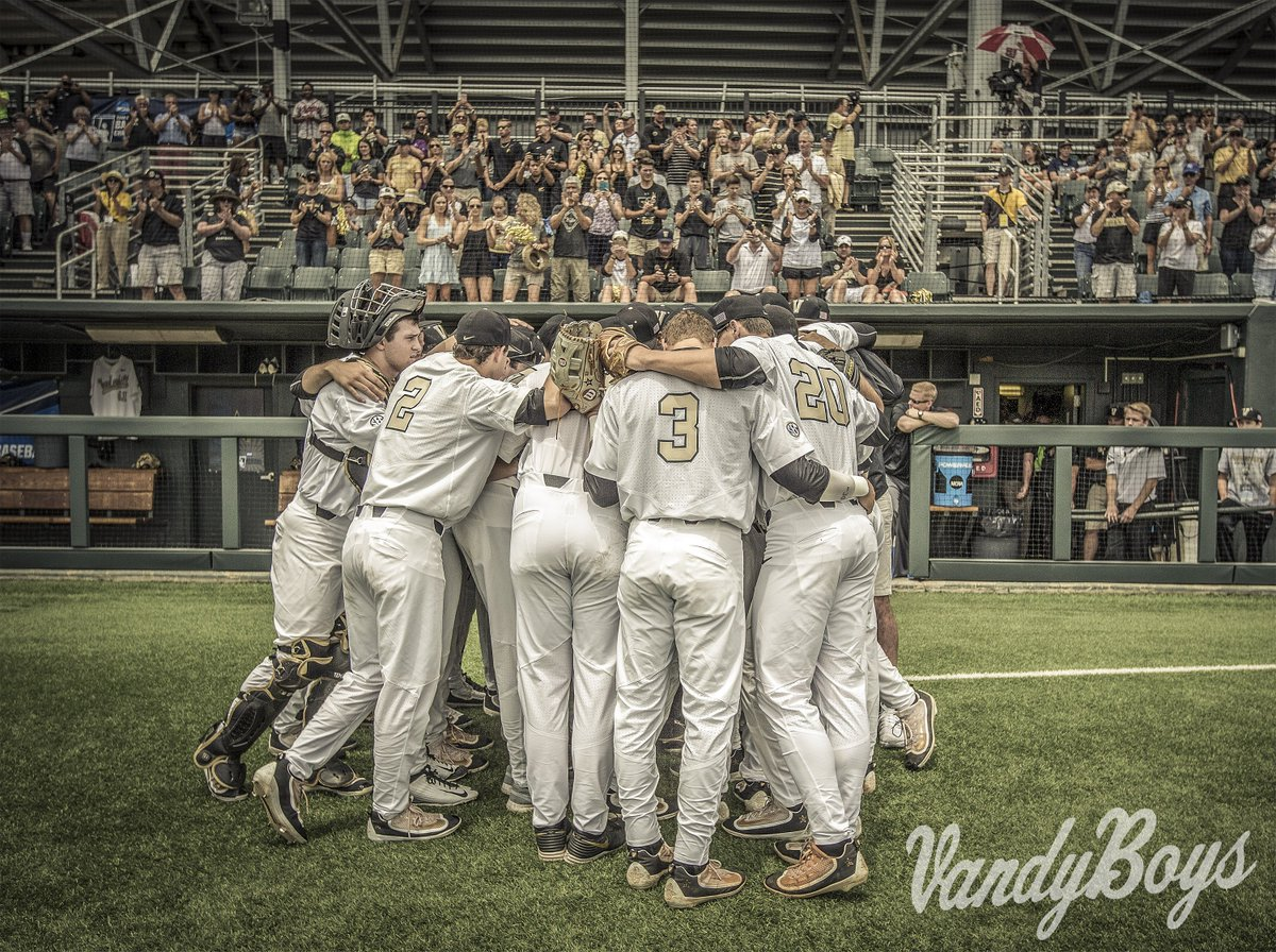 Us. We. Team. #DE41 #VandyBoys https://t.co/JzuICLGPZX