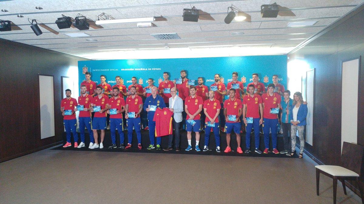 Hilo de la selección de España (selección española) CkLPDbyWsAApOWS
