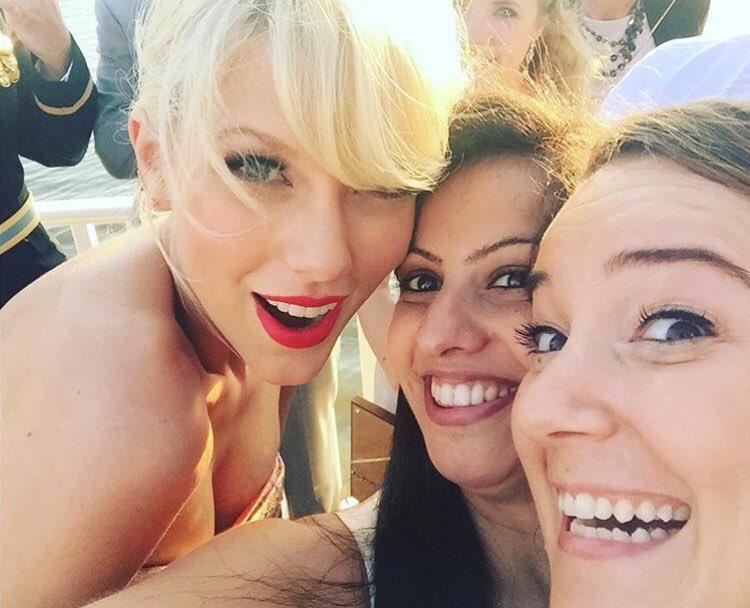 Taylor Swift - Página 3 CkMUrv1XIAgYCt9