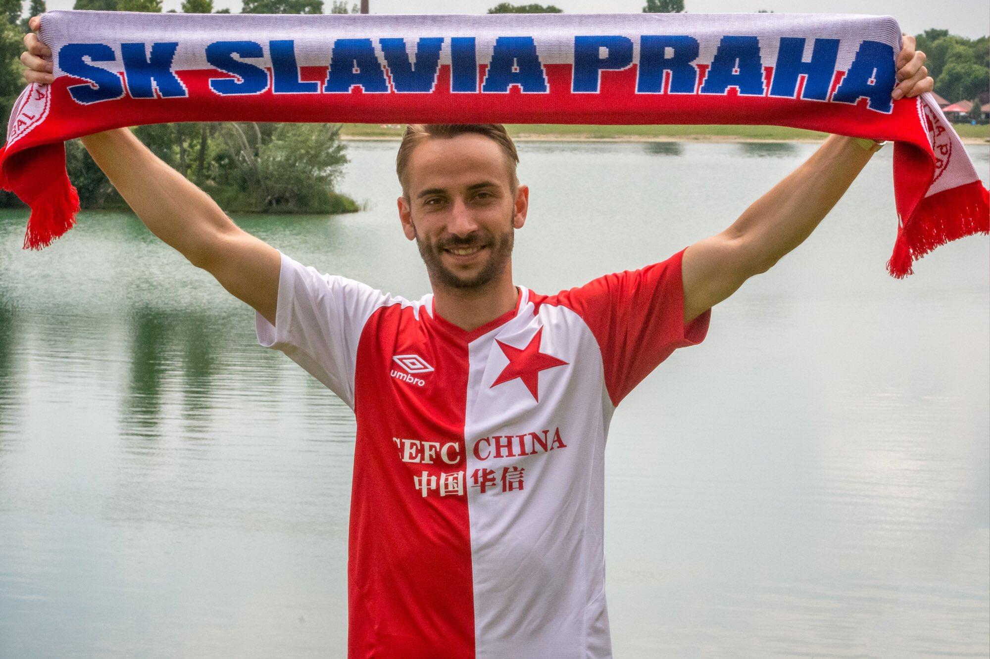 """Sk Slavia Image: SK Slavia Praha On Twitter: """"Dušane, Vítej Doma! #proposilu…"""