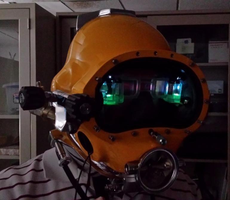 U.S. Navy developing augmented reality diving helmet