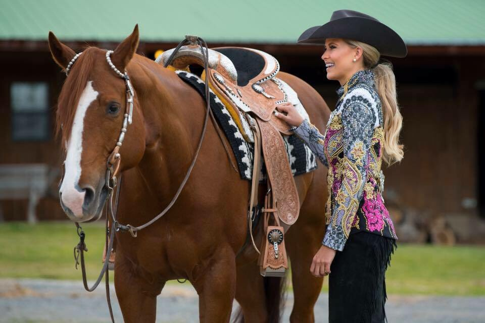 .@AQHYA world champ Abby Floyd is competing in the 2016 Miss USA tonight! Go get 'em, cowgirl! #aqhaproud https://t.co/W0Qv2WXHz3